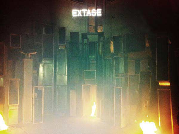 EXTASE II, night-view, Wagner 200, 2013